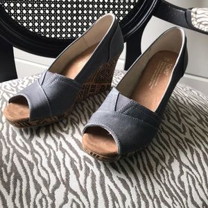 BRAND NEW Toms wedges!